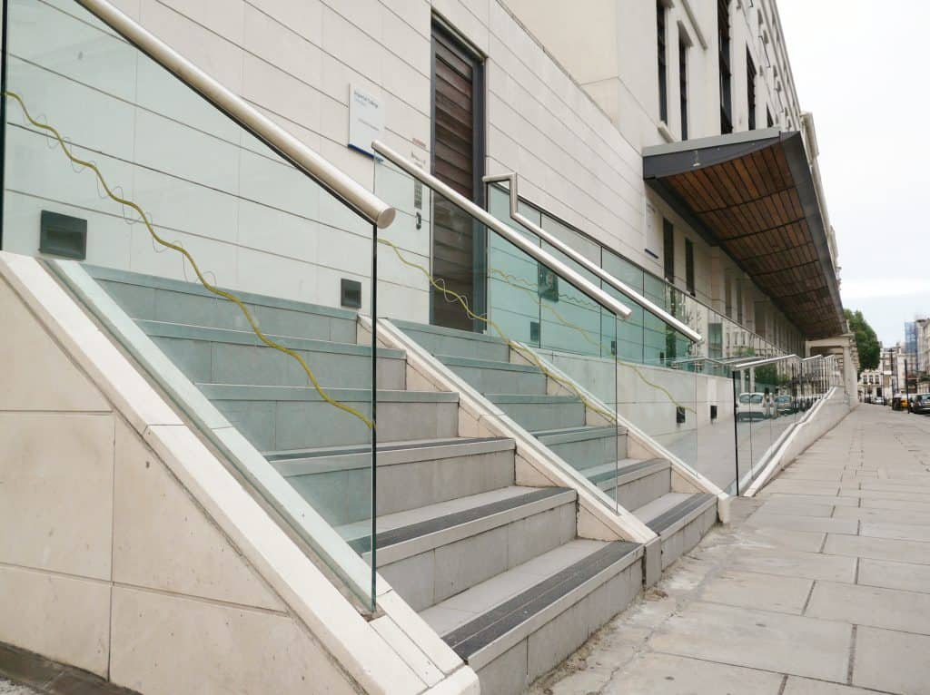 glass balustrade for offices